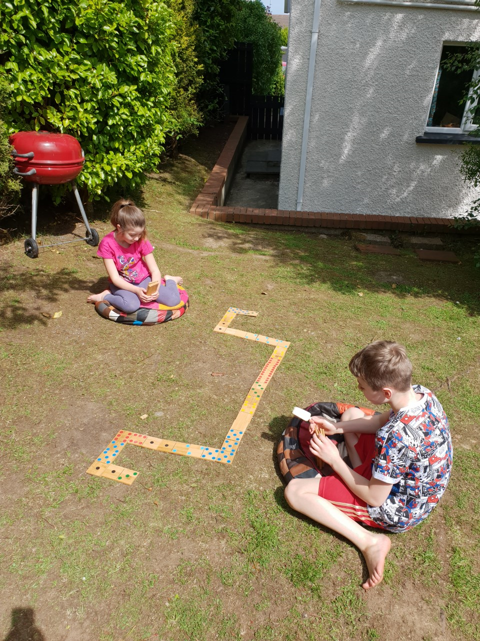 Dominoes-Outdoor-learning